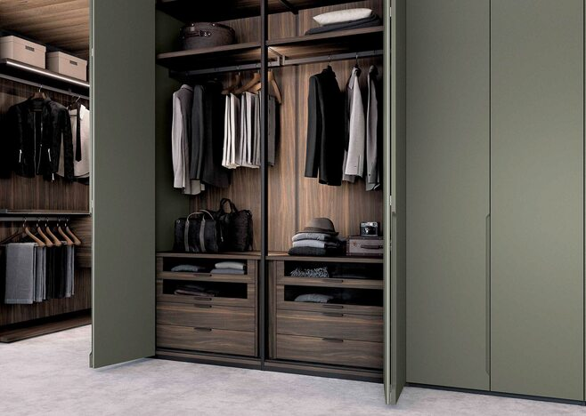 Swing wardrobe