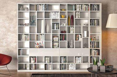 Стеллаж для книг и декора.